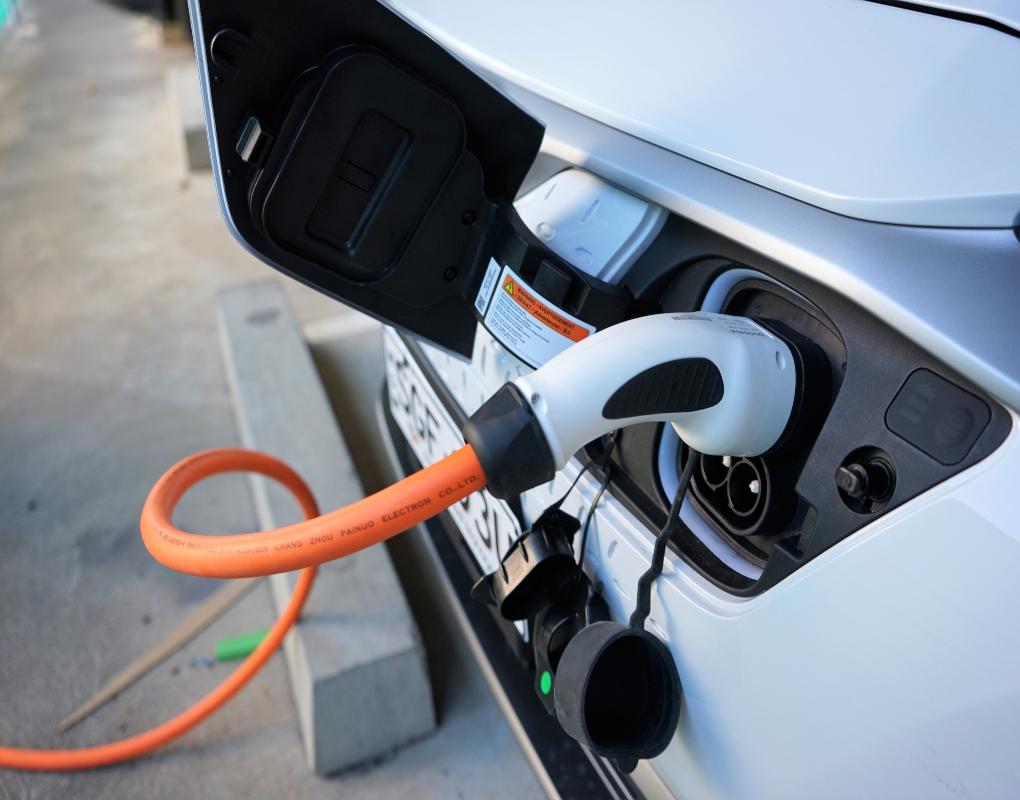 sgfleet Electric Vehicle Kona charging